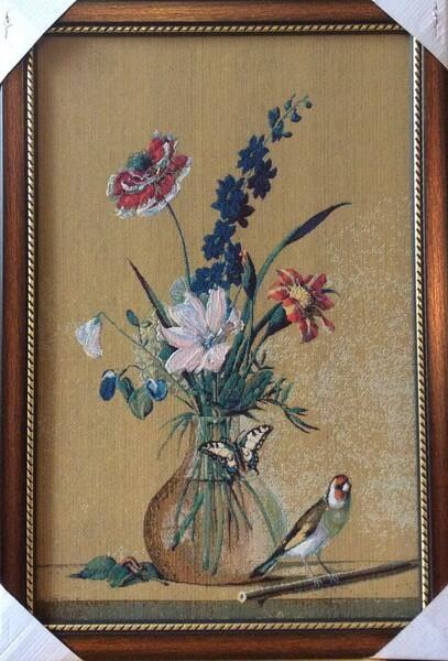 Букет цветов, бабочка и птица
