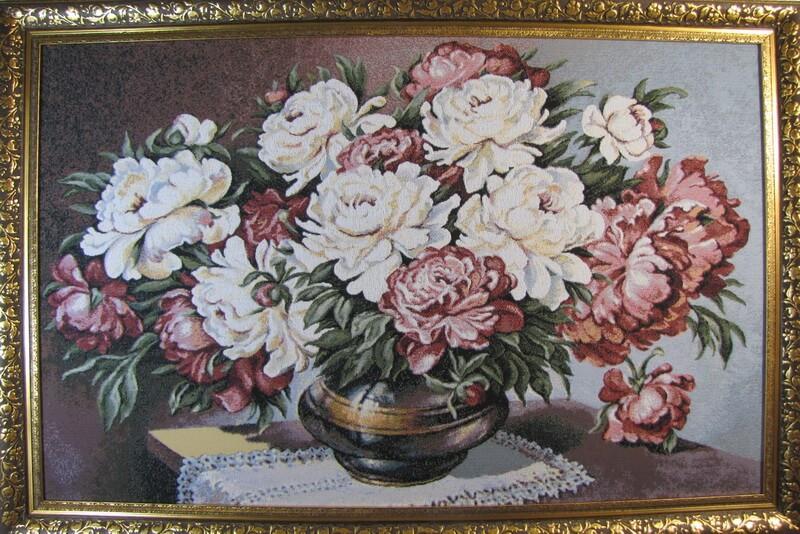 Цветущий букет пионов