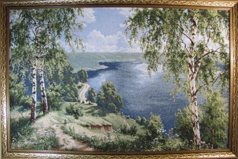 Тропинка к озеру